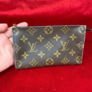 Authentic Louis Vuitton pouch pm size